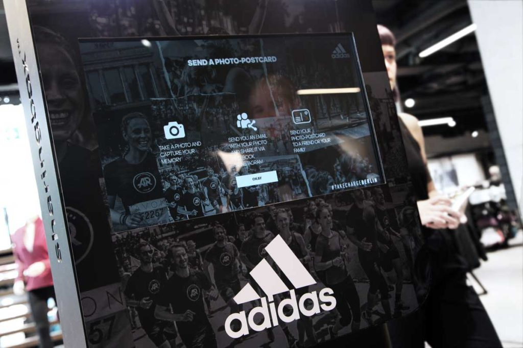 MyPostcard meets adidas und Sharingbox
