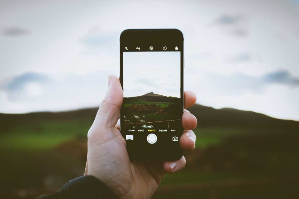 10 Must Have Apps for the Travel Fanatic