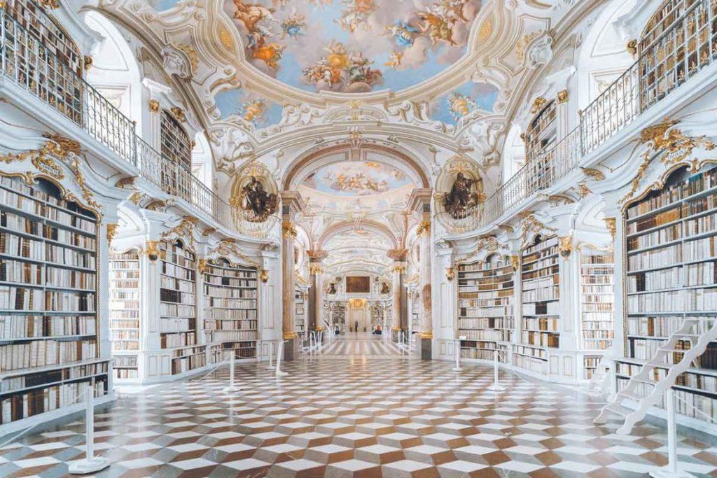 Innenansicht der Admont Abbey Bibliothek