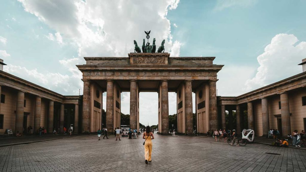 Girl in front of Brandenburger Tor in Berlin