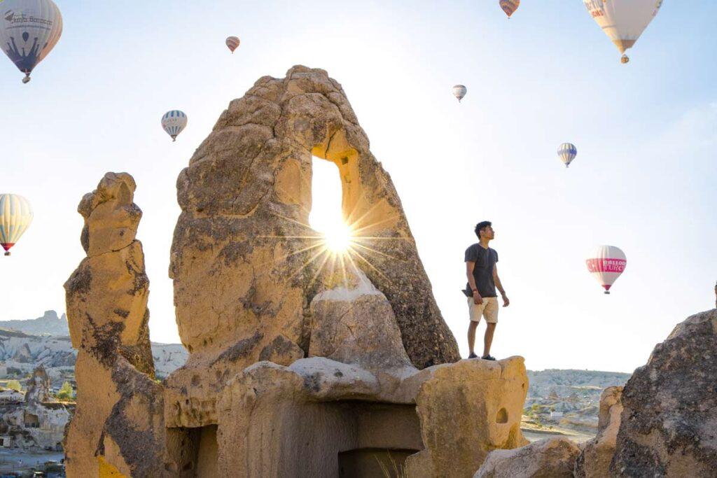 Ein Instagram Reiseblogger zeigt die Heißluftballone in Cappadocia