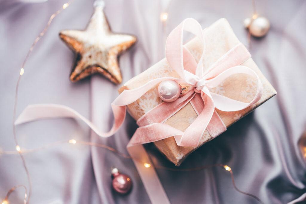 DIY Geschenkspapier und Weihnachtsgeschenk
